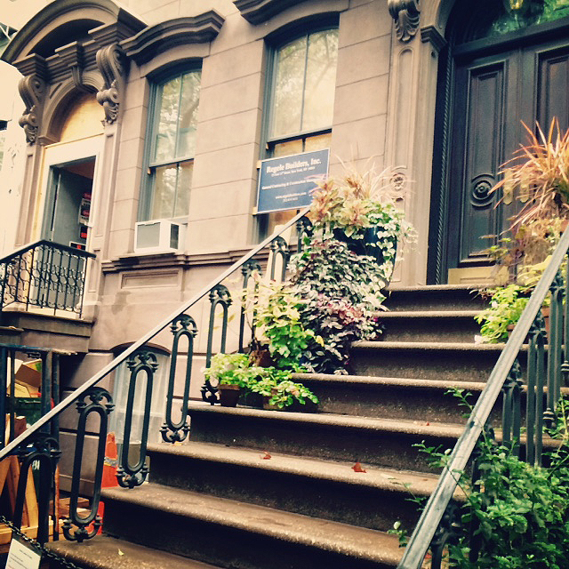 Carrie Bradshaw's stoop Sex & The City Tour